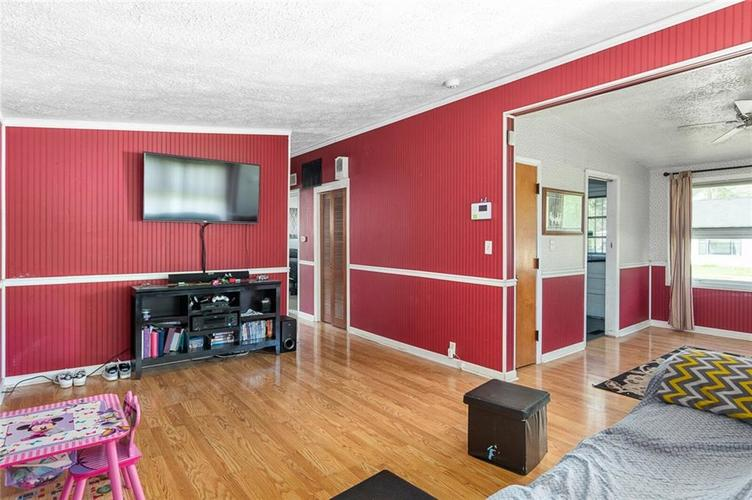 7363 E 46th Street Indianapolis IN 46226 | MLS 21715427 | photo 8