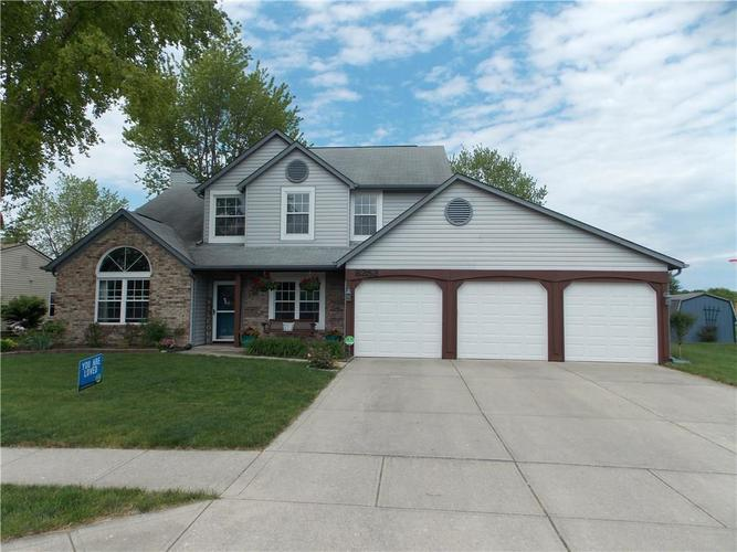 8252 Portside Drive Avon IN 46123 | MLS 21715503 | photo 1