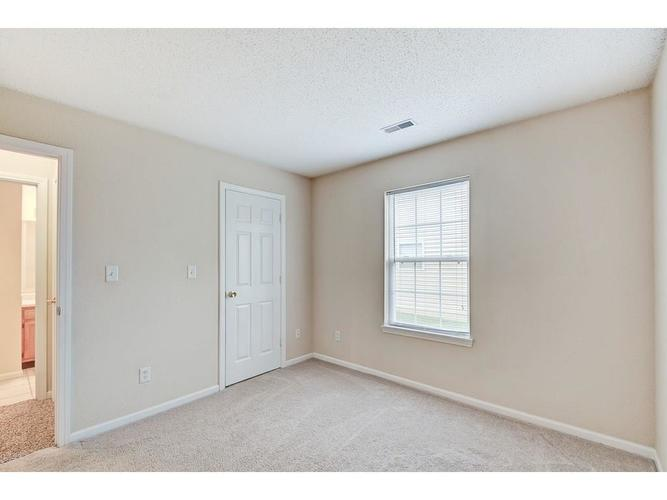 7062 Dublin Lane Indianapolis IN 46239 | MLS 21715518 | photo 19