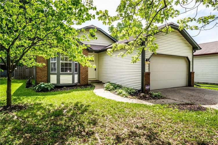 9149 Warwick Road Indianapolis IN 46240   MLS 21715599   photo 1