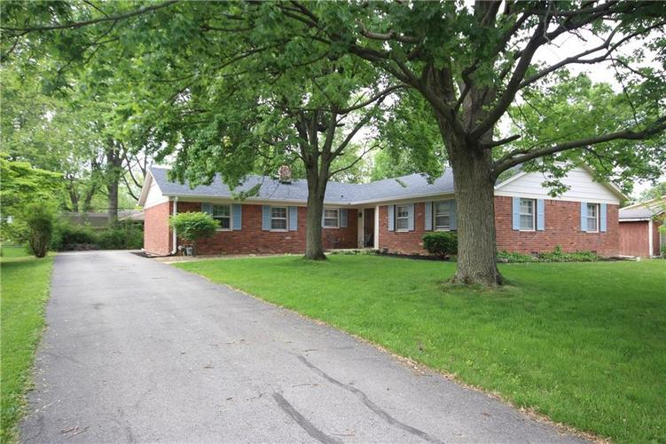 6930 Castle Manor Drive Indianapolis IN 46214 | MLS 21715626 | photo 1