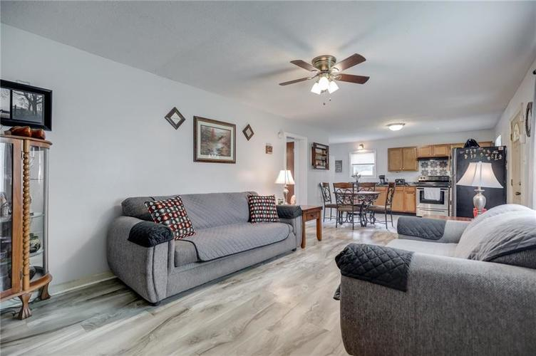 4401 Millersville Road Indianapolis IN 46205 | MLS 21715667 | photo 10