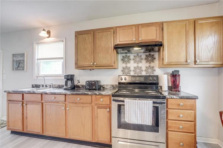 4401 Millersville Road Indianapolis IN 46205 | MLS 21715667 | photo 13
