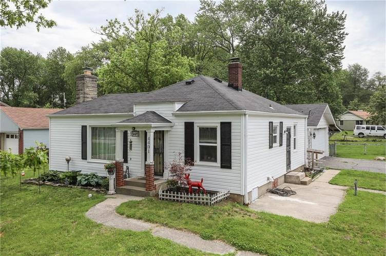 4401 Millersville Road Indianapolis IN 46205 | MLS 21715667 | photo 2