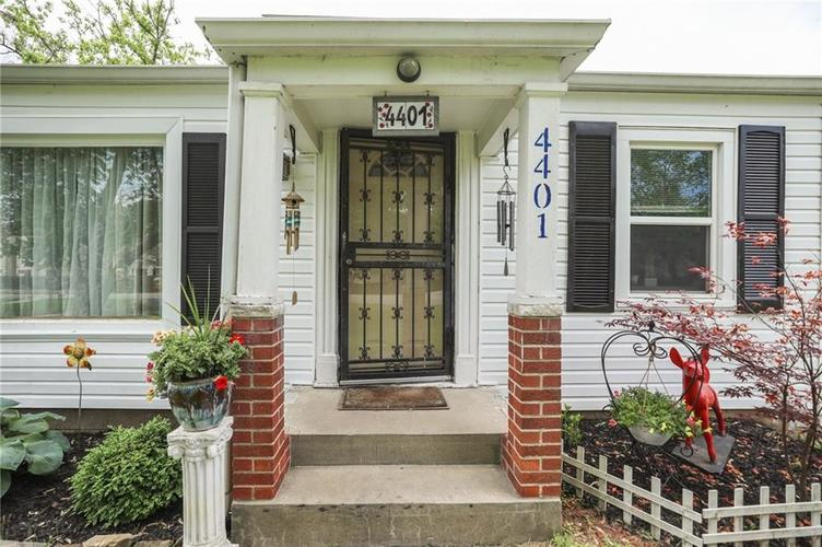 4401 Millersville Road Indianapolis IN 46205 | MLS 21715667 | photo 4