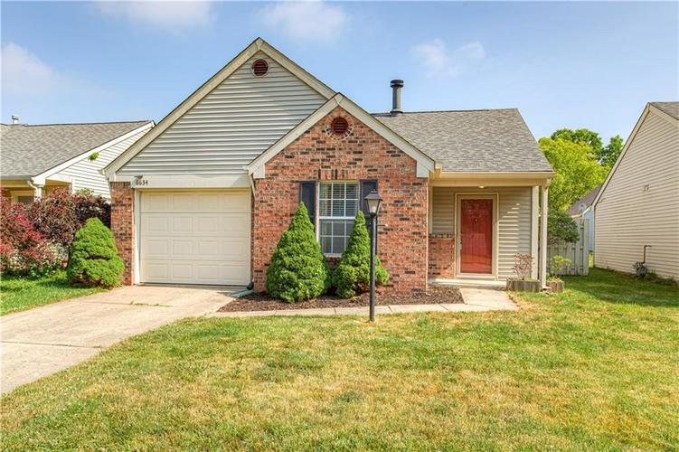 6634 S Sundown Drive Indianapolis IN 46254 | MLS 21715669 | photo 1