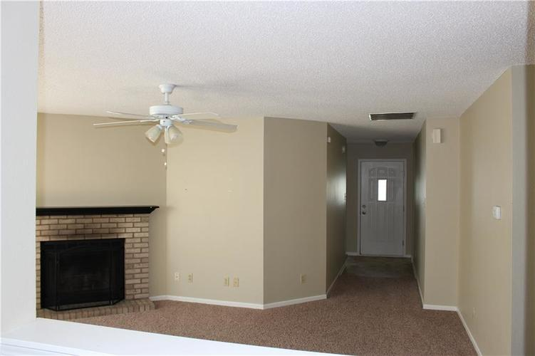 2944 Everbloom Way Indianapolis IN 46217 | MLS 21715738 | photo 14