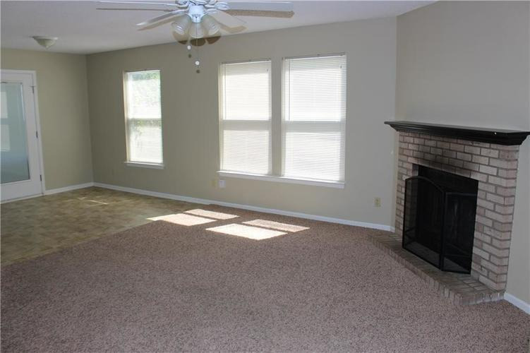 2944 Everbloom Way Indianapolis IN 46217 | MLS 21715738 | photo 5