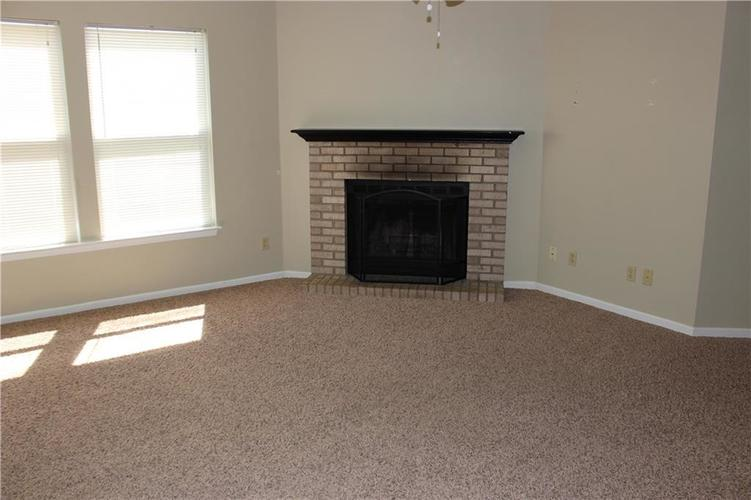 2944 Everbloom Way Indianapolis IN 46217 | MLS 21715738 | photo 6
