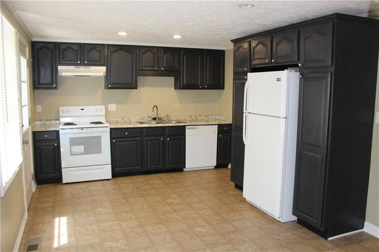 1015 BOGALUSA Court Indianapolis IN 46217 | MLS 21715748 | photo 12