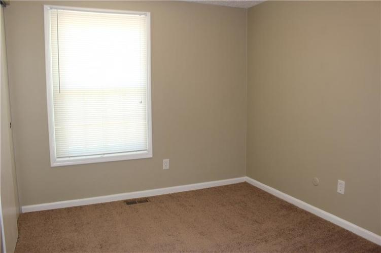 1015 BOGALUSA Court Indianapolis IN 46217 | MLS 21715748 | photo 20