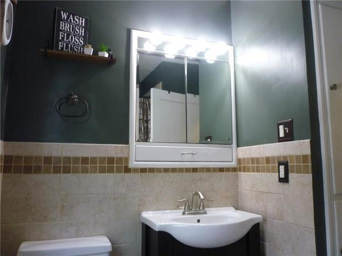 000 Confidential Ave.Indianapolis IN 46205 | MLS 21715791 | photo 16
