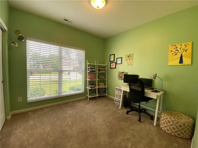 11820 Rossmore Drive Indianapolis IN 46235 | MLS 21715799 | photo 16