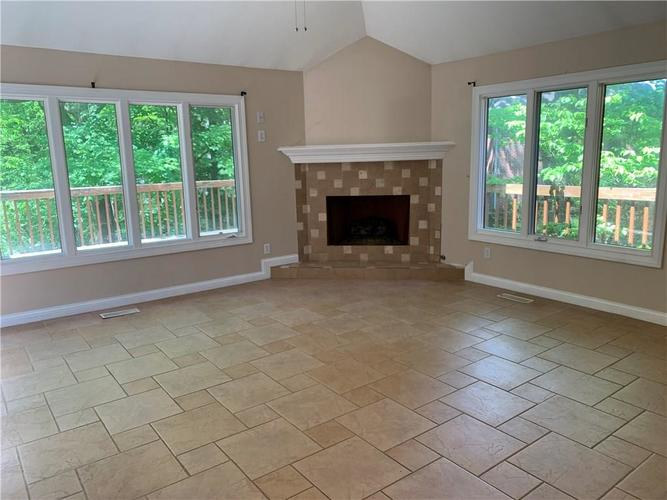 7028 Bluffridge Place Indianapolis IN 46278 | MLS 21715840 | photo 4
