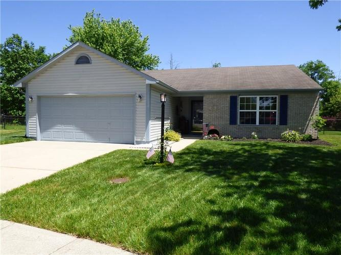 8653 Coralberry Lane Indianapolis IN 46239   MLS 21715966   photo 1