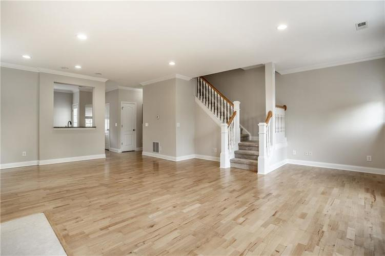 943 Junction Place Indianapolis IN 46220 | MLS 21716059 | photo 11