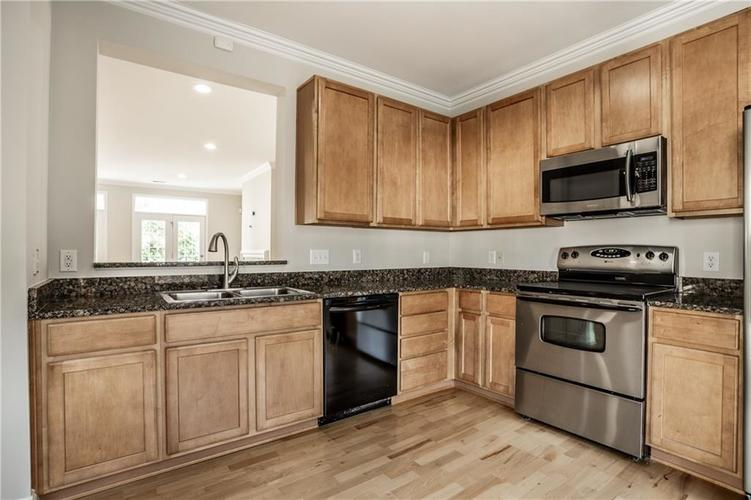 943 Junction Place Indianapolis IN 46220 | MLS 21716059 | photo 17