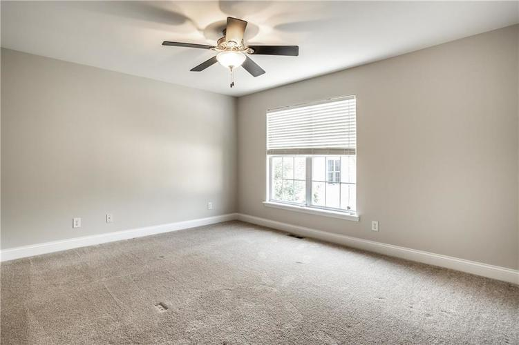 943 Junction Place Indianapolis IN 46220 | MLS 21716059 | photo 24