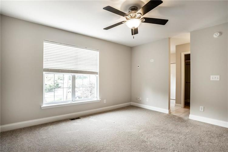 943 Junction Place Indianapolis IN 46220 | MLS 21716059 | photo 25