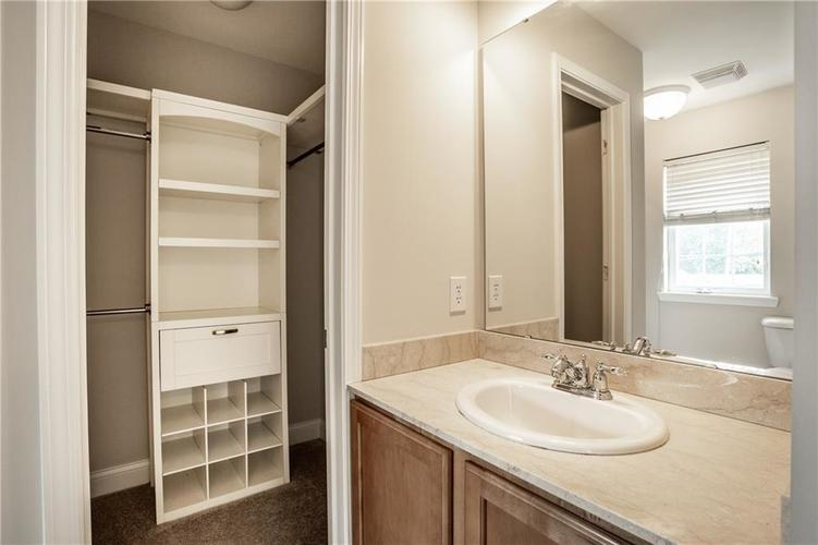 943 Junction Place Indianapolis IN 46220 | MLS 21716059 | photo 26