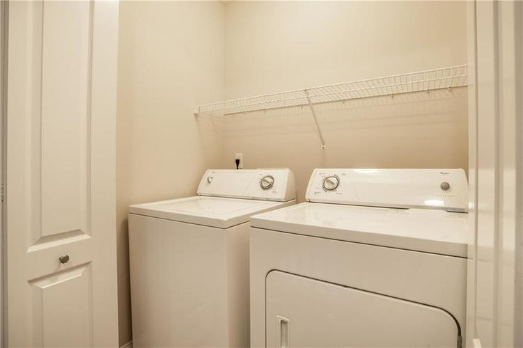 943 Junction Place Indianapolis IN 46220 | MLS 21716059 | photo 28