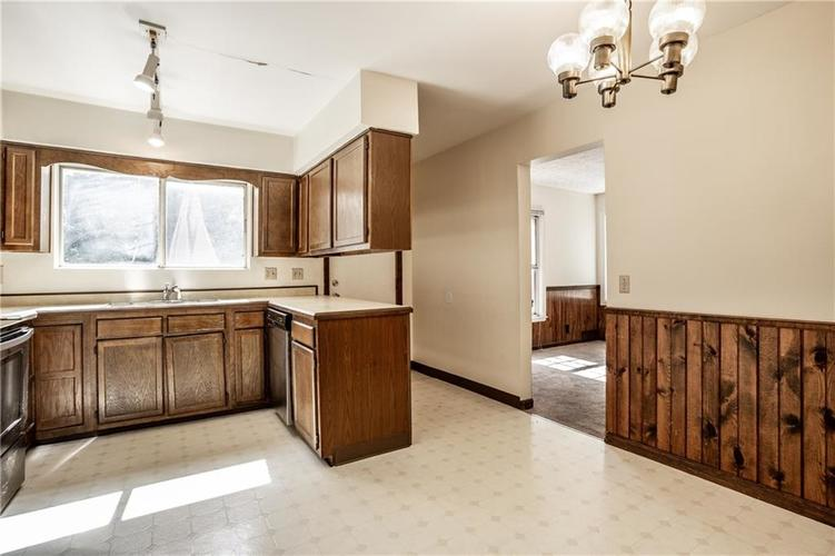 66036605 N College Avenue Indianapolis IN 46220 | MLS 21716101 | photo 12