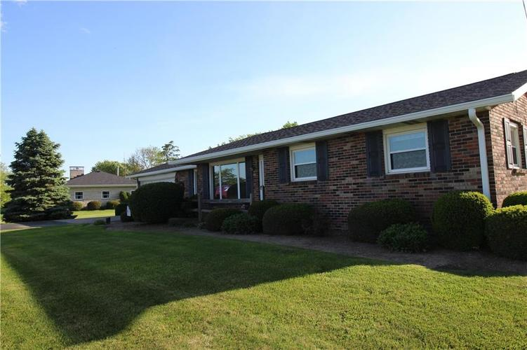 2645 S State Road 103 New Castle IN 47362 | MLS 21716122 | photo 1