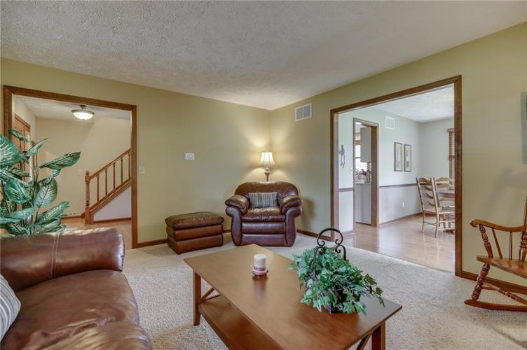 10476 Breezeway Circle Brownsburg IN 46112 | MLS 21716174 | photo 22