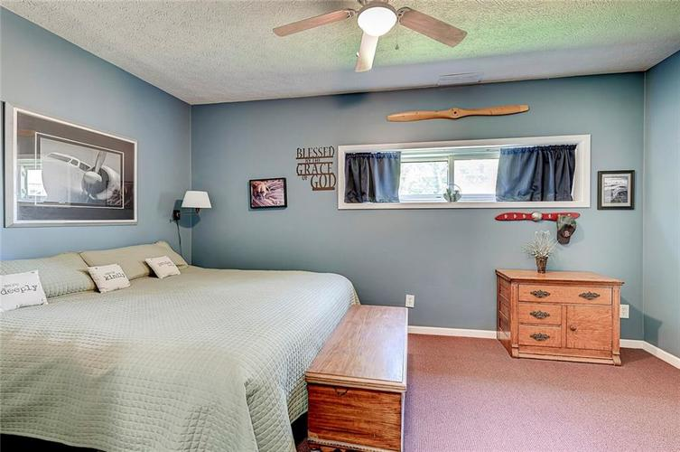 1927 E 69TH Street Indianapolis IN 46220 | MLS 21716180 | photo 13