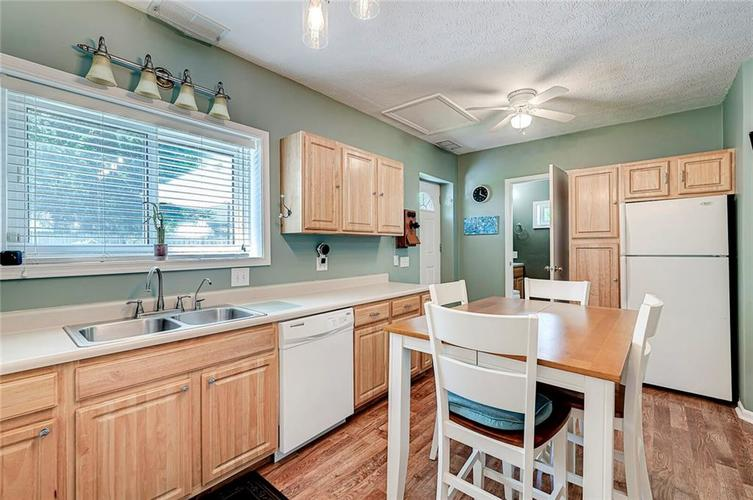 1927 E 69TH Street Indianapolis IN 46220 | MLS 21716180 | photo 19