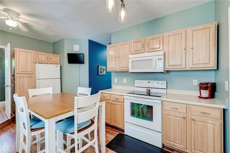 1927 E 69TH Street Indianapolis IN 46220 | MLS 21716180 | photo 20