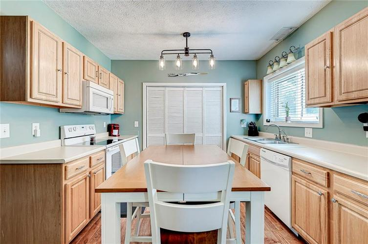 1927 E 69TH Street Indianapolis IN 46220 | MLS 21716180 | photo 23