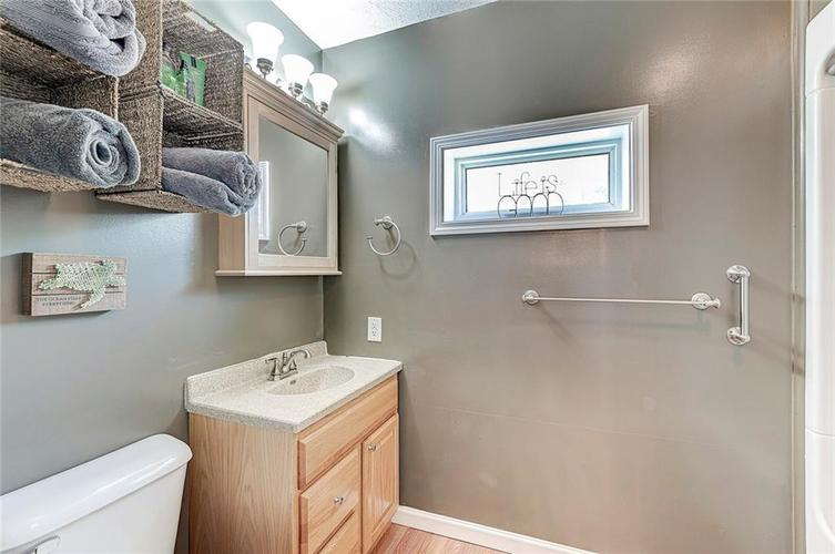 1927 E 69TH Street Indianapolis IN 46220 | MLS 21716180 | photo 24