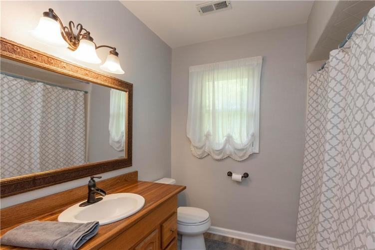 4338 Starlight Drive Indianapolis IN 46239 | MLS 21716200 | photo 14