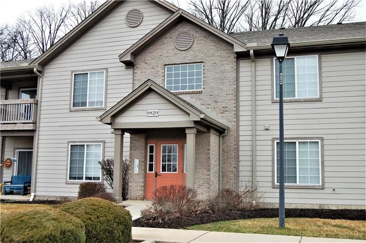 9820 Legends Creek Drive Indianapolis IN 46229 | MLS 21716342 | photo 1
