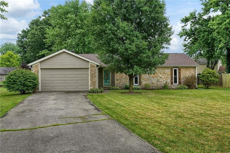 7833  WHITE DOVE Court Indianapolis, IN 46256 | MLS 21716491