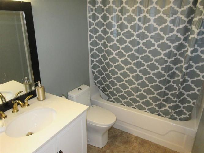 7926 Benjamin Drive Indianapolis IN 46226 | MLS 21716562 | photo 11