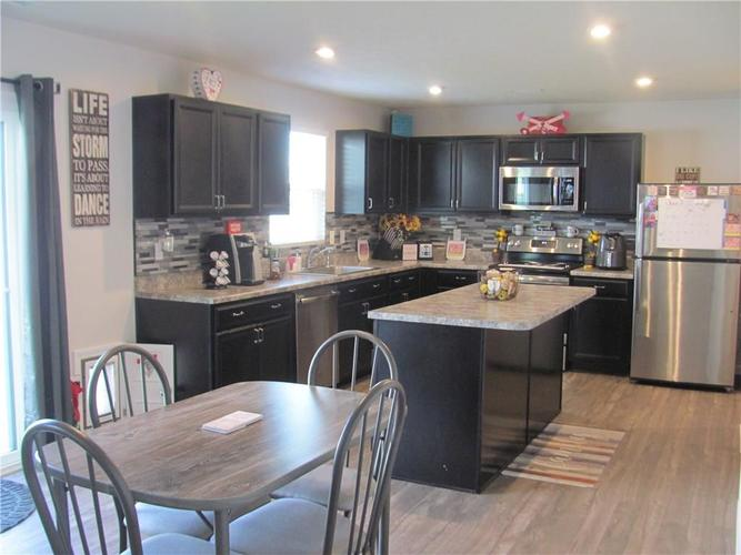 13838 N Cardonia Drive Camby IN 46113 | MLS 21716602 | photo 2