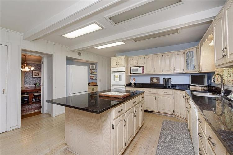 2924 Sinclair Wood Drive Indianapolis IN 46240 | MLS 21716648 | photo 13