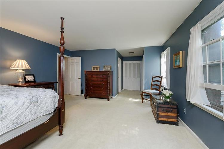 2924 Sinclair Wood Drive Indianapolis IN 46240 | MLS 21716648 | photo 18