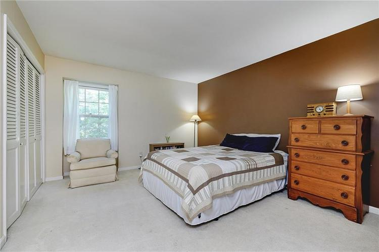 2924 Sinclair Wood Drive Indianapolis IN 46240 | MLS 21716648 | photo 20