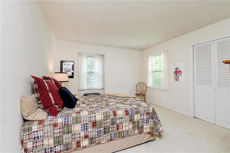 2924 Sinclair Wood Drive Indianapolis IN 46240 | MLS 21716648 | photo 24