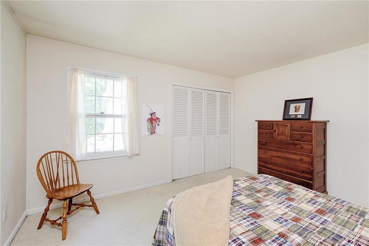 2924 Sinclair Wood Drive Indianapolis IN 46240 | MLS 21716648 | photo 25