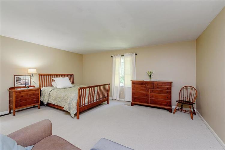 2924 Sinclair Wood Drive Indianapolis IN 46240 | MLS 21716648 | photo 26