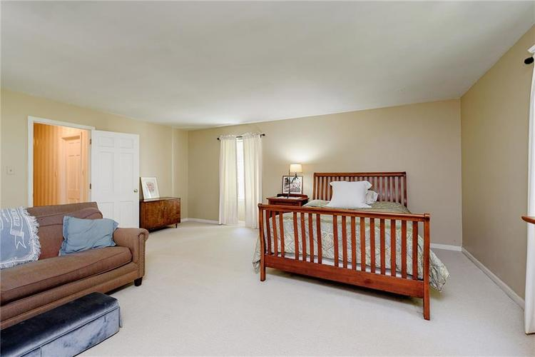 2924 Sinclair Wood Drive Indianapolis IN 46240 | MLS 21716648 | photo 27