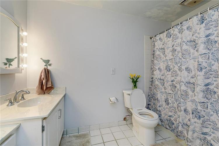 2924 Sinclair Wood Drive Indianapolis IN 46240 | MLS 21716648 | photo 29