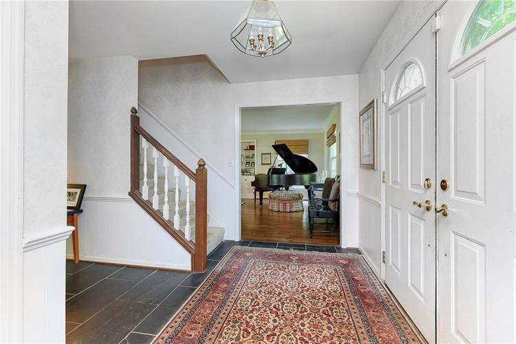 2924 Sinclair Wood Drive Indianapolis IN 46240 | MLS 21716648 | photo 4