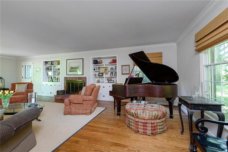 2924 Sinclair Wood Drive Indianapolis IN 46240 | MLS 21716648 | photo 5