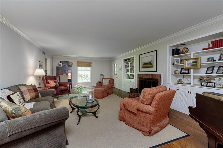 2924 Sinclair Wood Drive Indianapolis IN 46240 | MLS 21716648 | photo 6