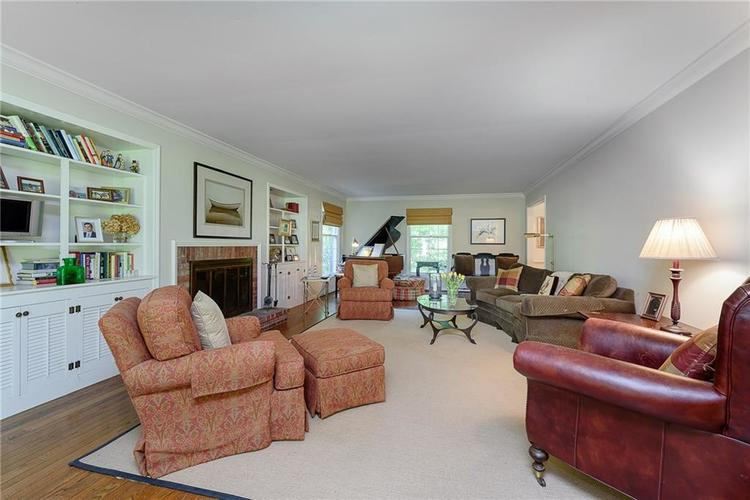 2924 Sinclair Wood Drive Indianapolis IN 46240 | MLS 21716648 | photo 7